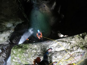 Canyoning Kozjak, abseiling